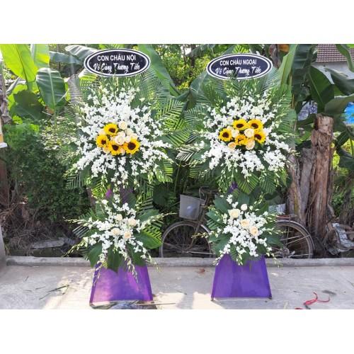 Bộ sưu tập mẫu hoa chia buồn ở Huế