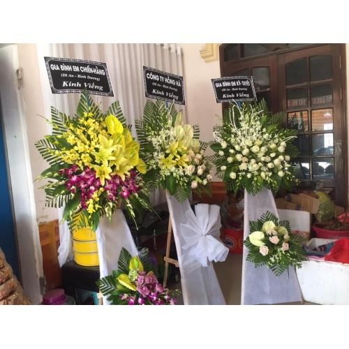 Bộ sưu tập mẫu hoa chia buồn ở huyện Bình Sơn