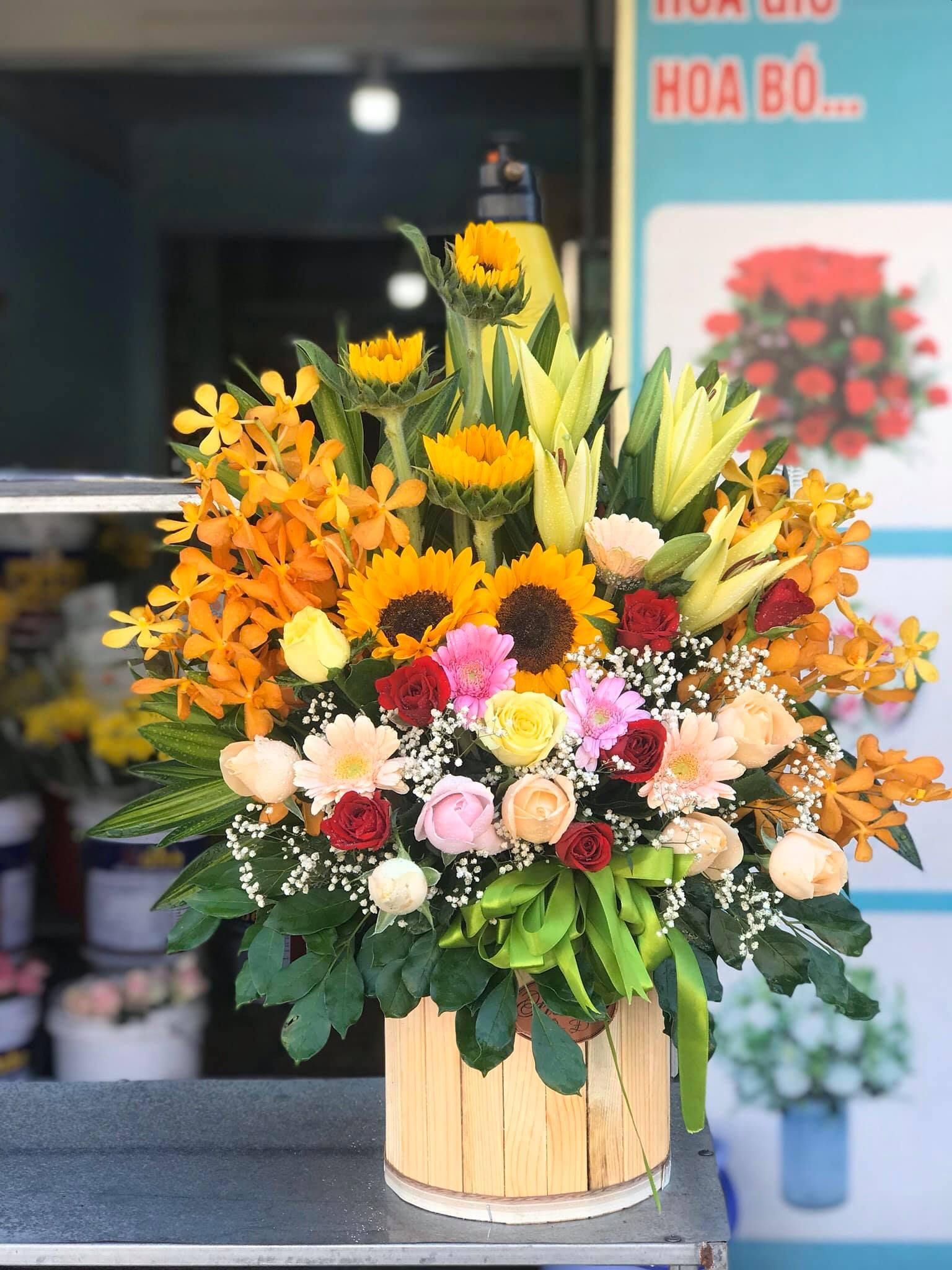 Cửa hàng hoa thị trấn Châu Ổ