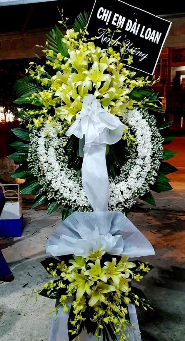Gửi hoa chia buồn đám tang Châu Ổ