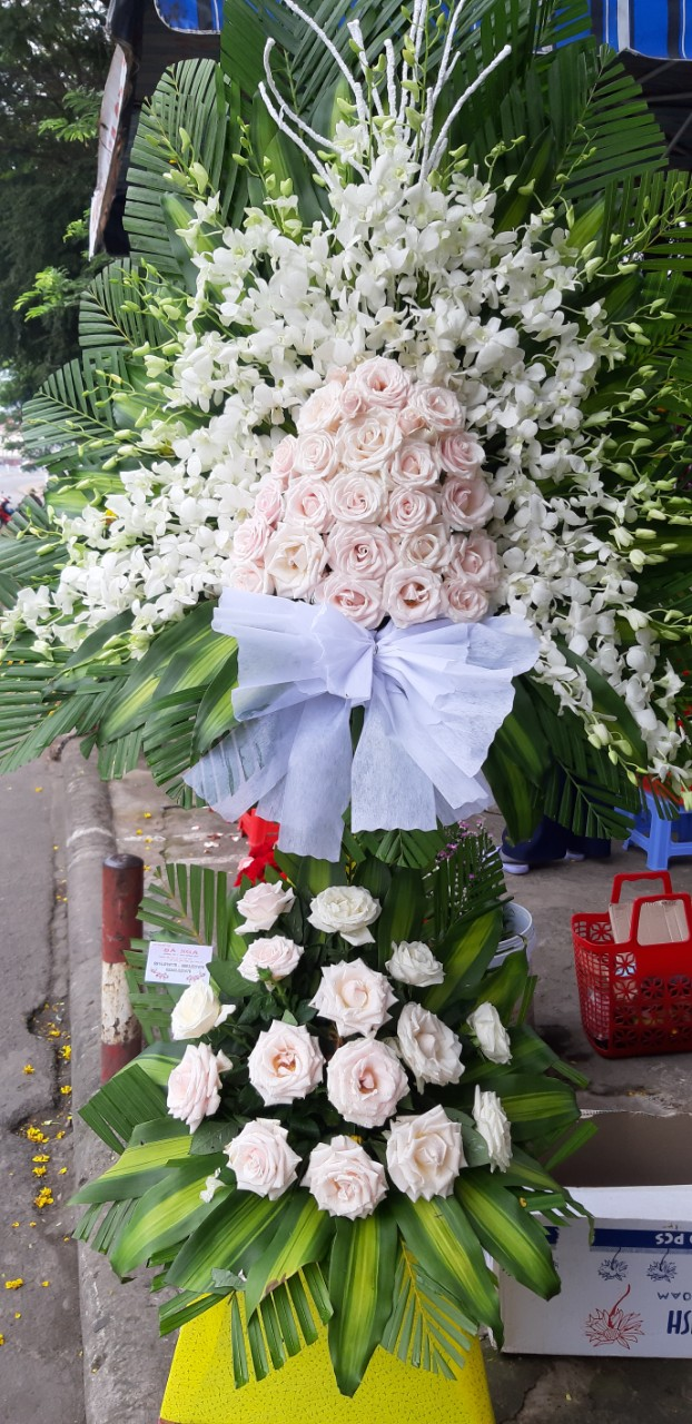 Đặt hoa chia buồn Huế