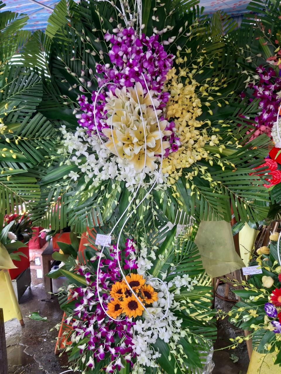 Hoa chia buồn đám tang Huế