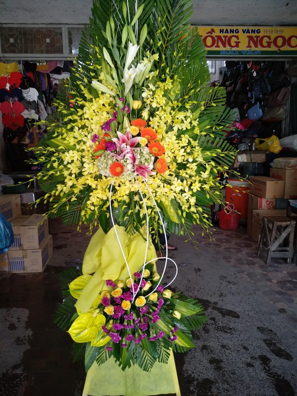 Lẵng hoa chia buồn lịch sự