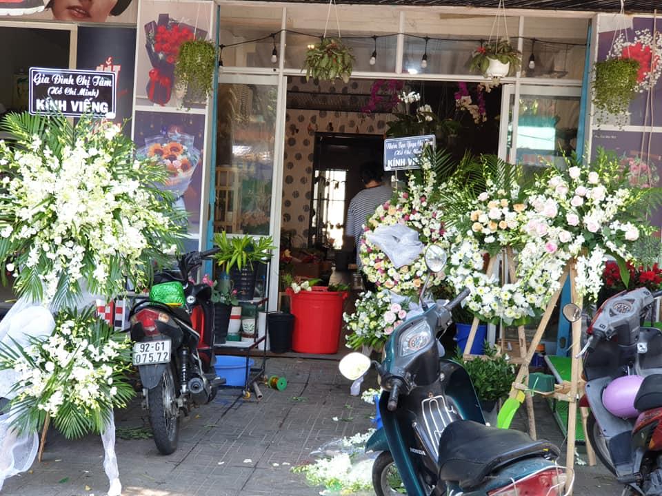 Hoa chia buồn đám tang Tam Kỳ