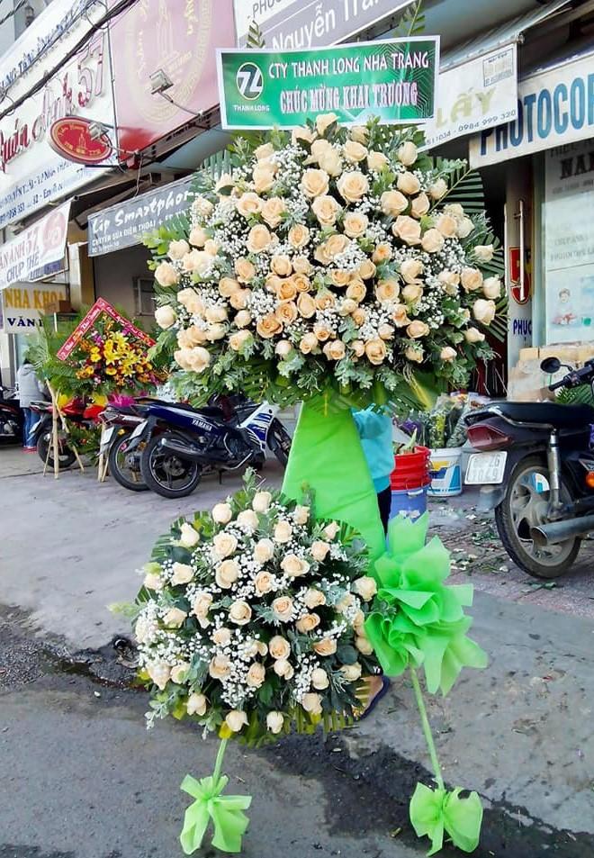 Đặt hoa chúc mừng nha trang