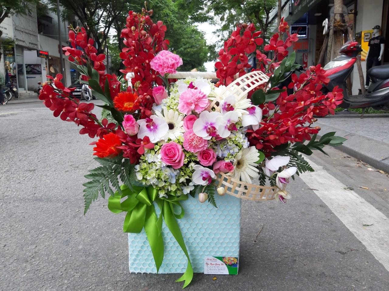 Điện hoa sinh nhật Huế