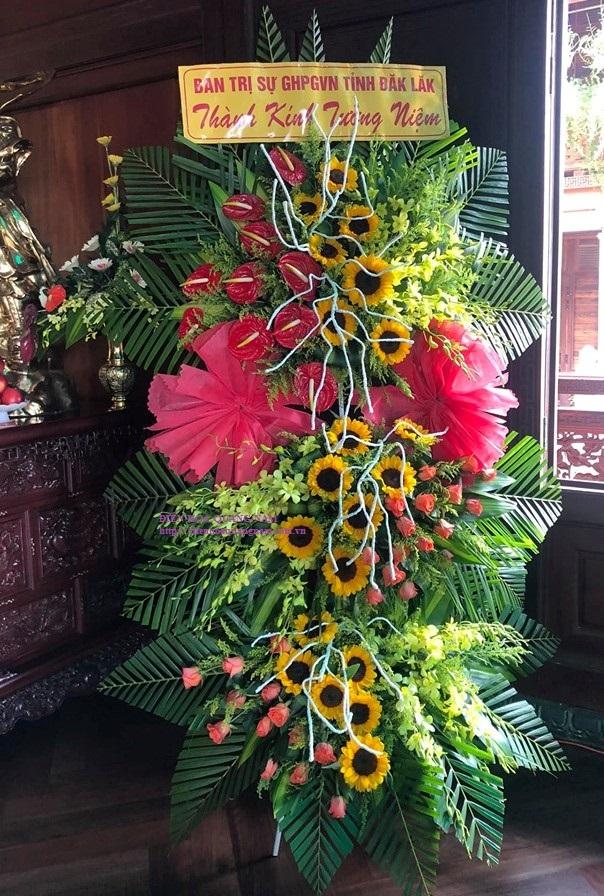 Câu chia buồn trên vòng hoa tang lễ