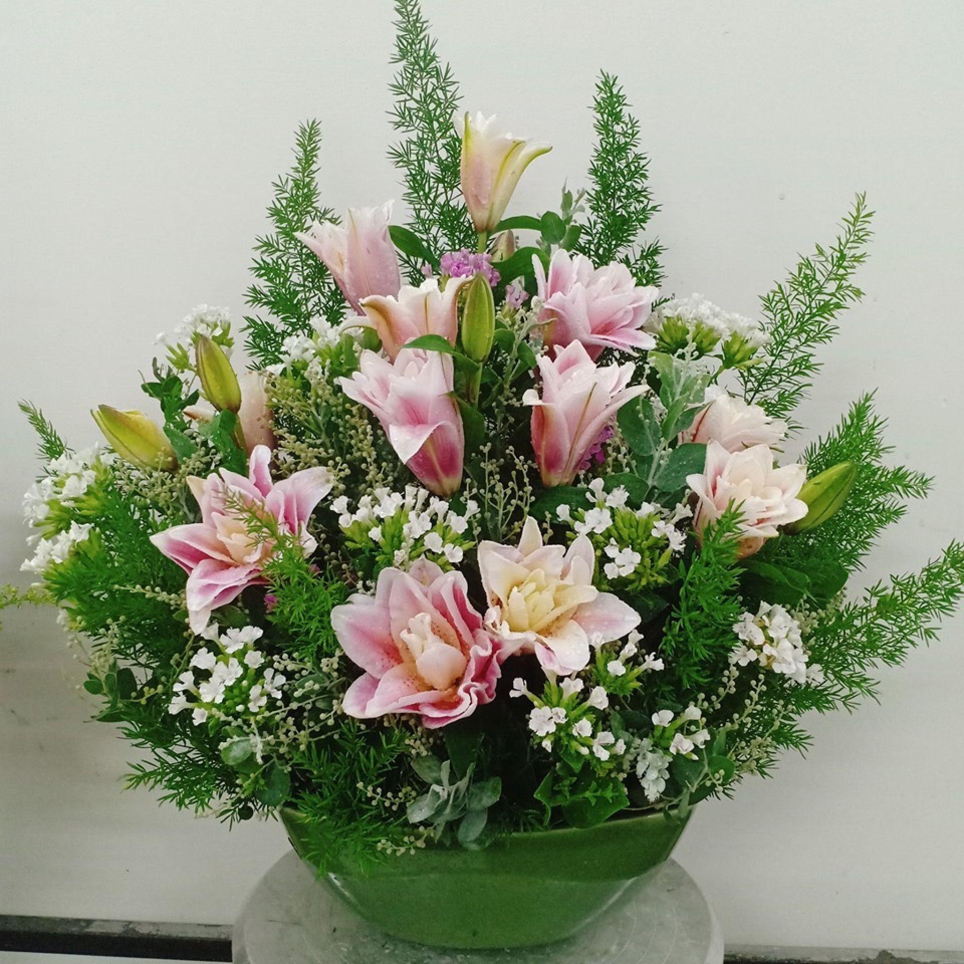 Hoa ly chúc mừng ngày Phụ nữ Việt Nam