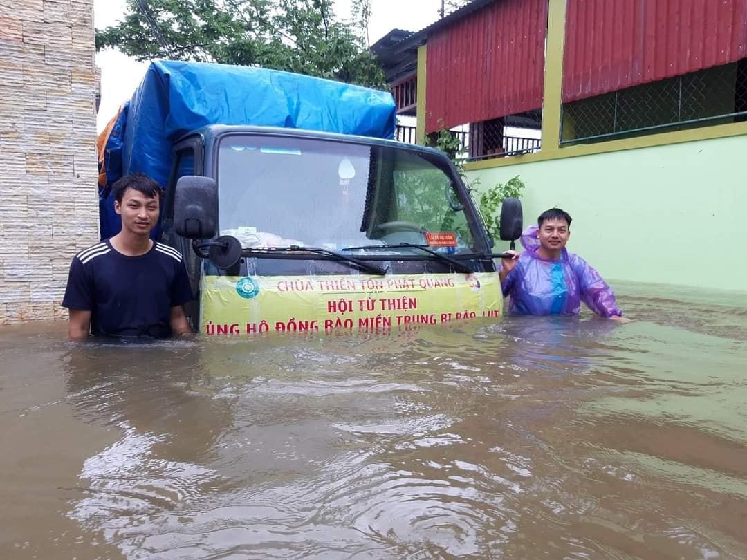 Cứu trợ lũ lụt miền Trung 10/2020