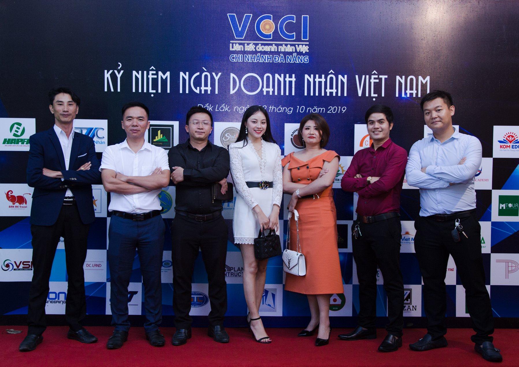 Quan khách tham dự kỷ niệm ngày doanh nhân Việt Nam