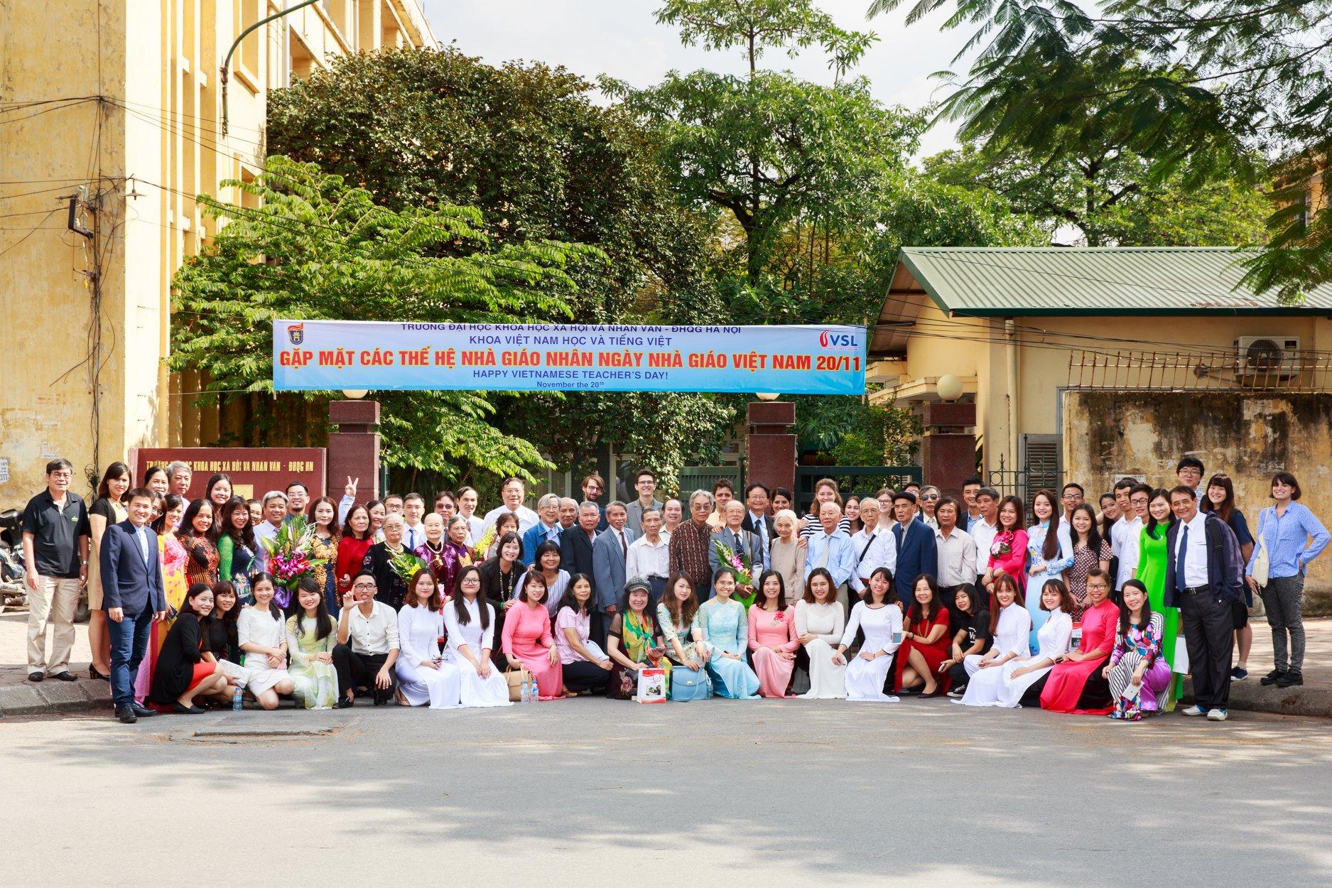 Gặp mặt học trò nhân ngày Nhà giáo Việt Nam